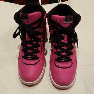 Shoes - pink Nike high tops!